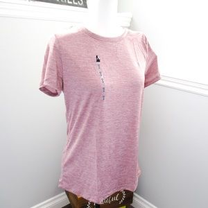 🆕 Under Armour loose fit HeatGear pink t-shirt